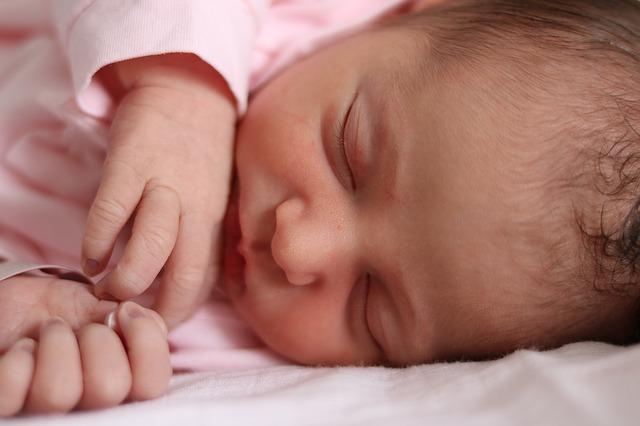 kleiner Säugling